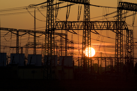 full_powerlines2.jpg